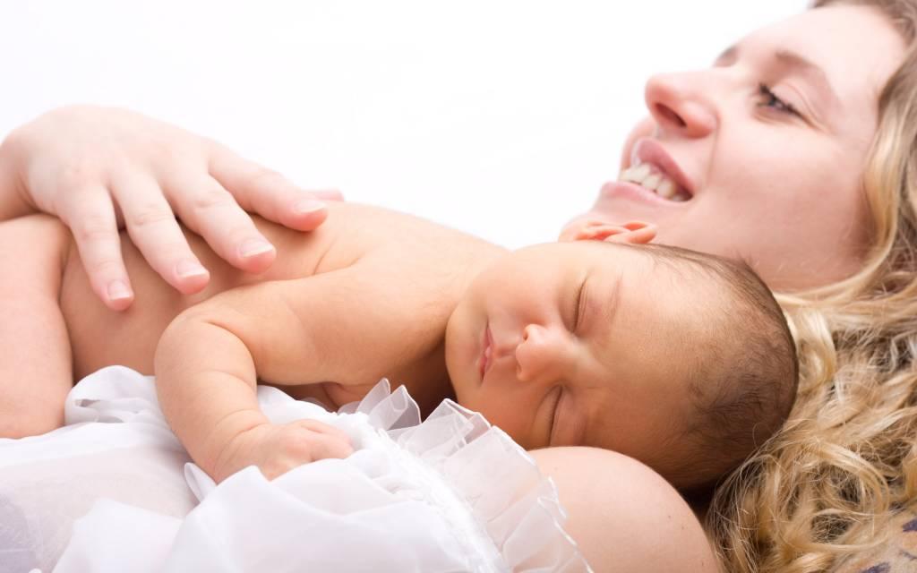 Alimentatia si somnul bebelusului sunt influentate de puseul de crestere. Uite cum