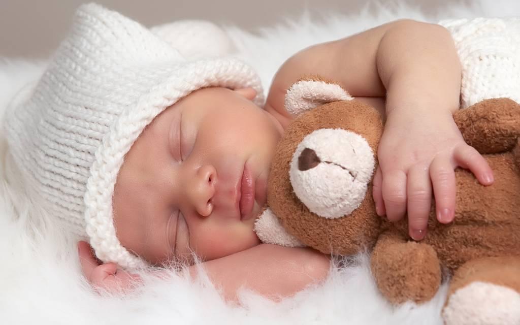 Etapele dezvoltarii bebelusului in primul an de viata